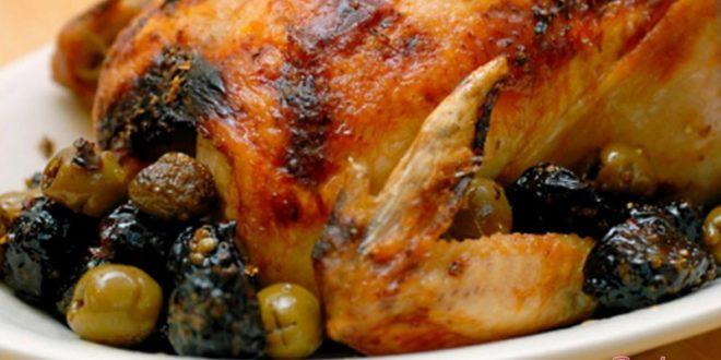 Курица с черносливом в духовке