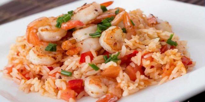 Как смачно приготовить креветки с рисом