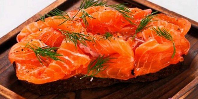 Быстренькая закуска из красноватой рыбы